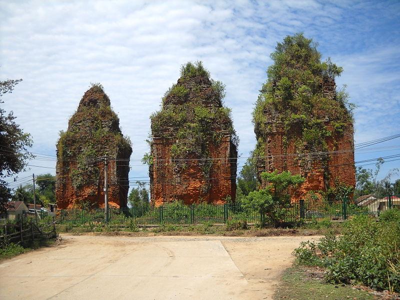 Thap-Khuong-My-QuangNam.JPG